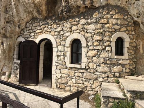 eglise dans la roche 8