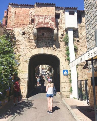 Porte génoise