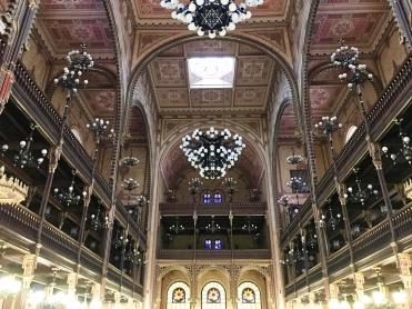 intérieur synagogue 2